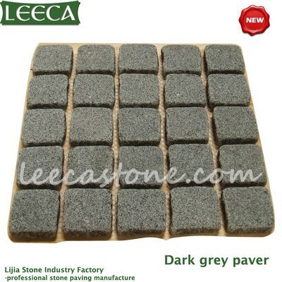 Dark gray granite tumbled cube stone mat